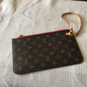 💯 Louis Vuitton pochette